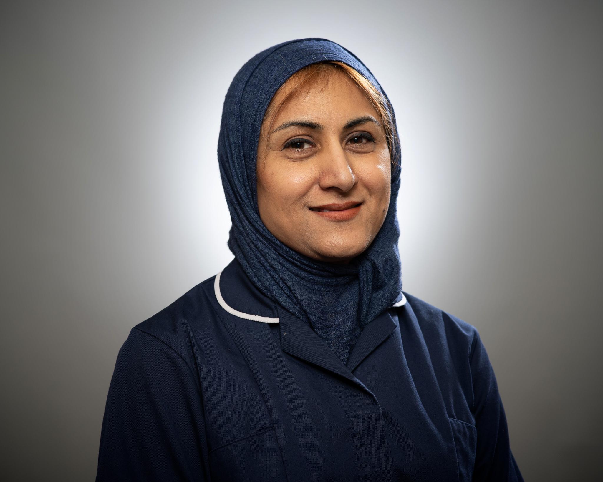 Nasreen Khan (f)